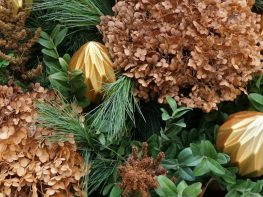 Make your own thrifty custom winter urn decorations