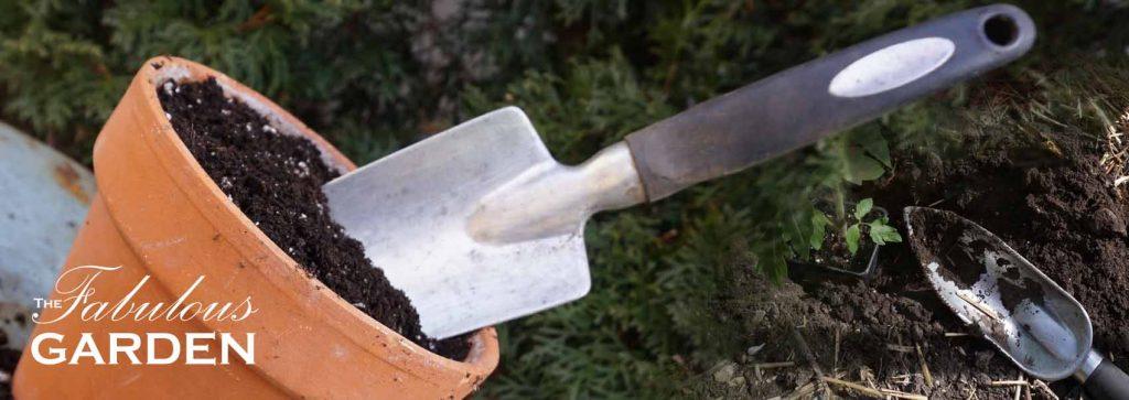 How to Choose the Best Garden Trowel